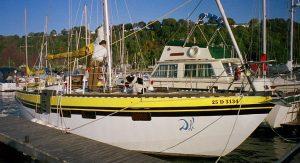 voilier-acier-blanc-35-01.jpg