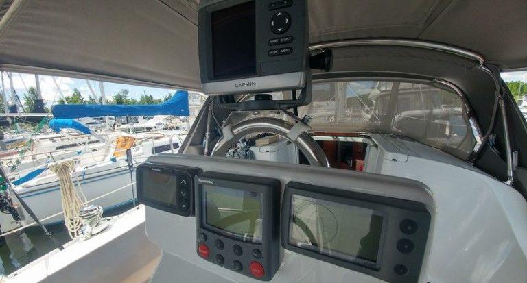 beneteau-323-oceanis-05.jpg