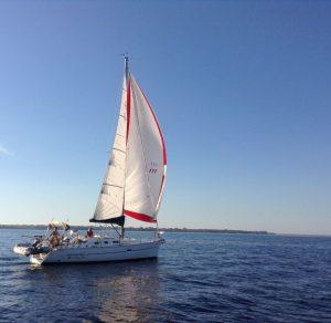 beneteau-oceanis-323-02.JPG