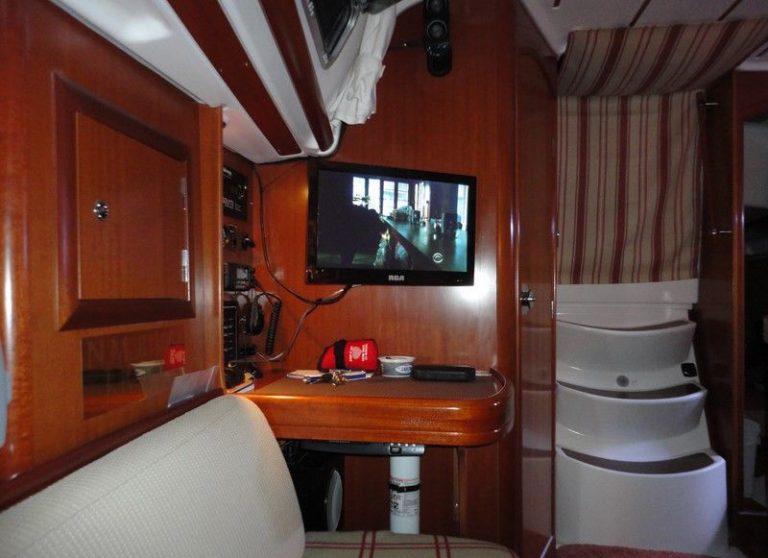 beneteau-323-oceanis-08.JPG