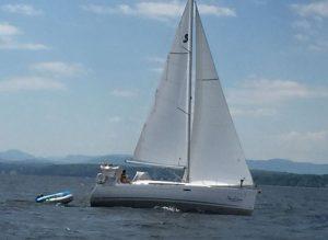 beneteau-oceanis-37-01.JPG