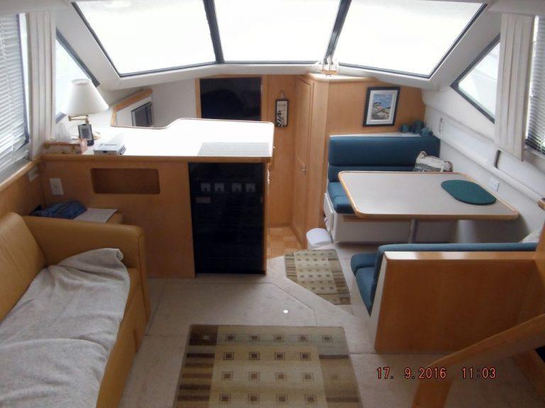 bateau-carver-355-04.jpg
