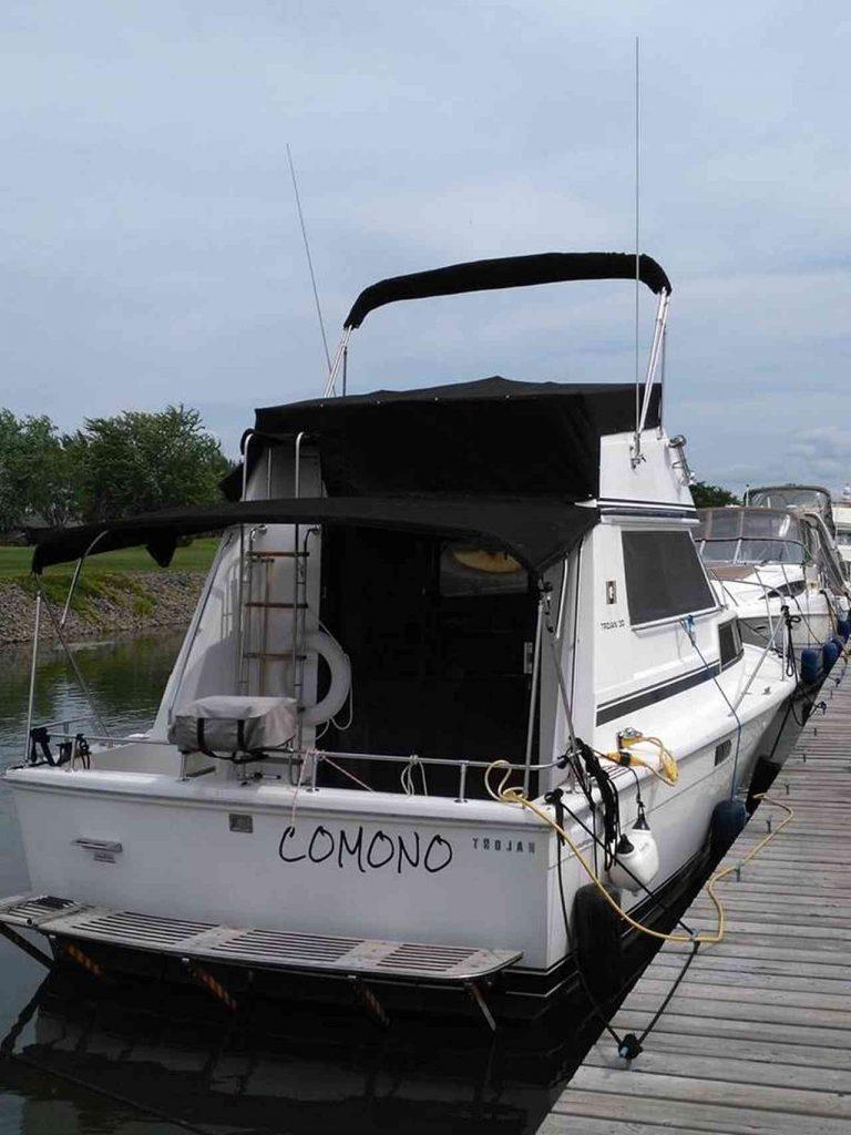 bateau-trojan-f30-06.jpg