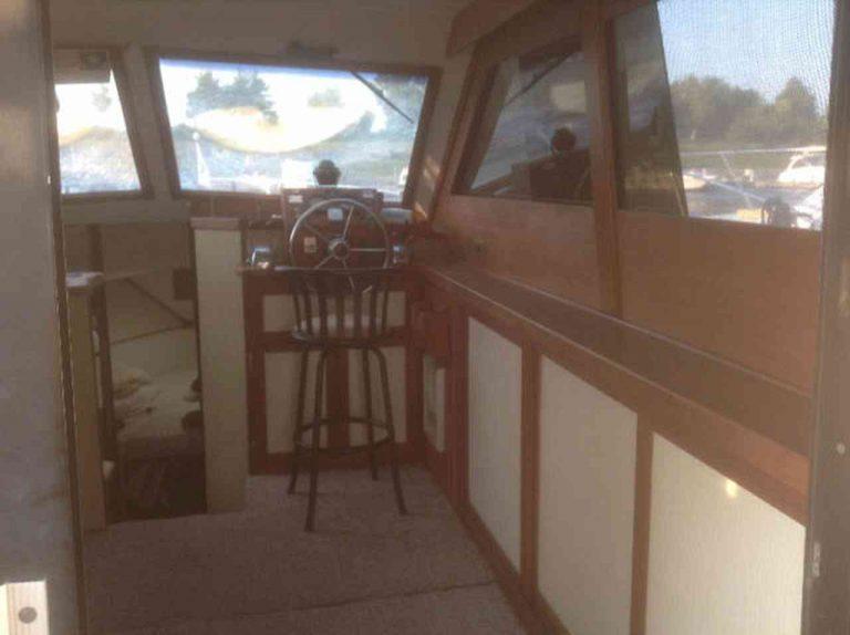 bateau-trojan-f30-10.jpg