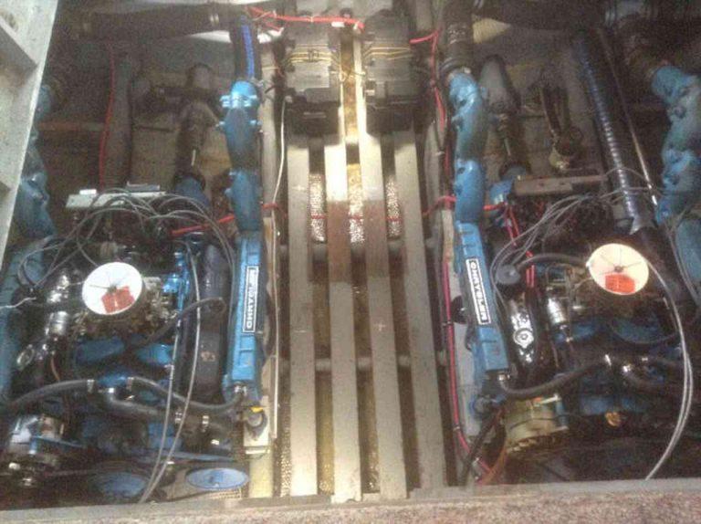 bateau-trojan-f30-14.jpg